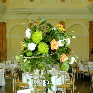 Table centre for early autumn weddingTa
