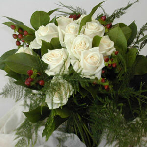 Roses in white for a bouquet from wedding flowers pictures
