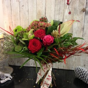 Christmas Gift Bouquet in Reds for delivery in DublinV
