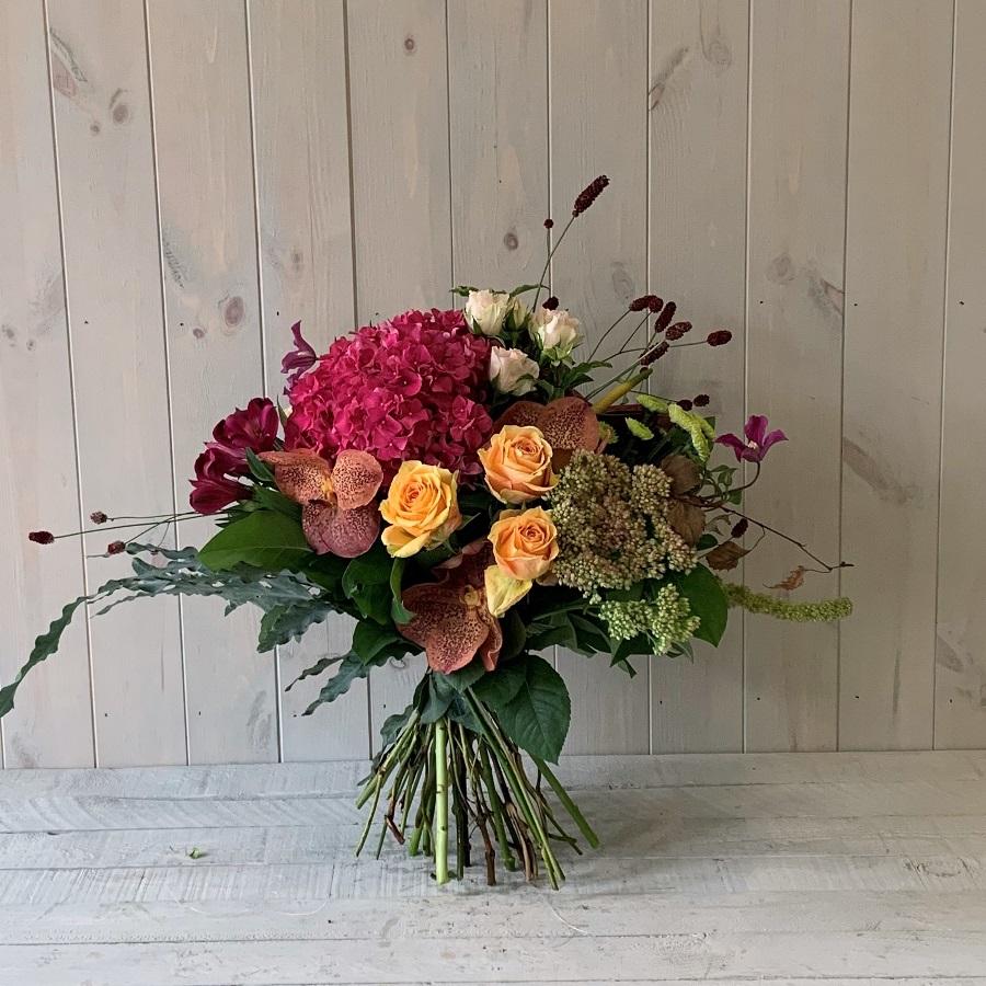 Subscription Flowers – Seasonal Hand Tied Flower Bouquet