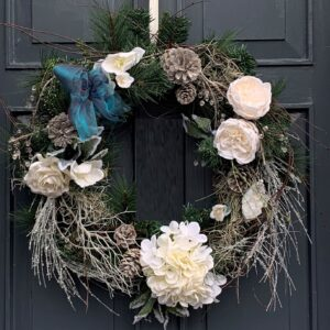 Artificial Christmas Door Wreaths - christmas gifts delivered in Dublin and across Ireland