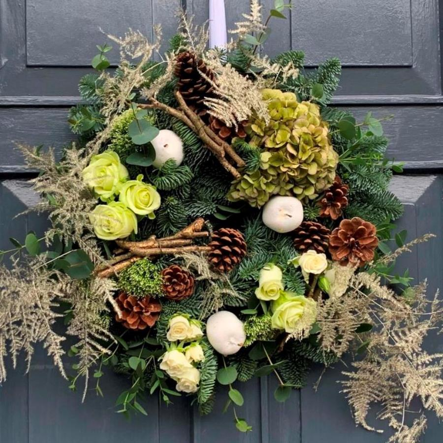 Real Christmas door wreaths - beautiful hand-made gifts for deliuvery to Dublin