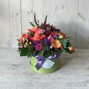 Flowers in Hatbox - pretty Mothers day flowers with delivery available all weekend or order to collect