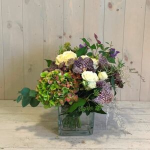 Mothers Day Flowers delivered in Dublin or order to online collect.