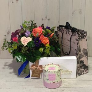 Gifts for Mothers Day. Hatbox with Chocolates and Scented Candle delivery available in Dublin