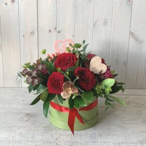 Valentines Roses in Hatbox - Pretty Valentines day gifts for delivery in Dublin