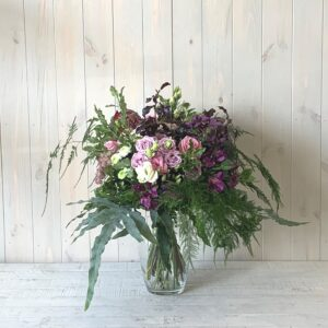 Vintage Style Bouquet - Classic flower designs delivered in Dublin and throughout Ireland